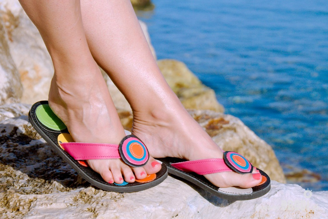 Flip-flops Mimi Black With Colourful Circles