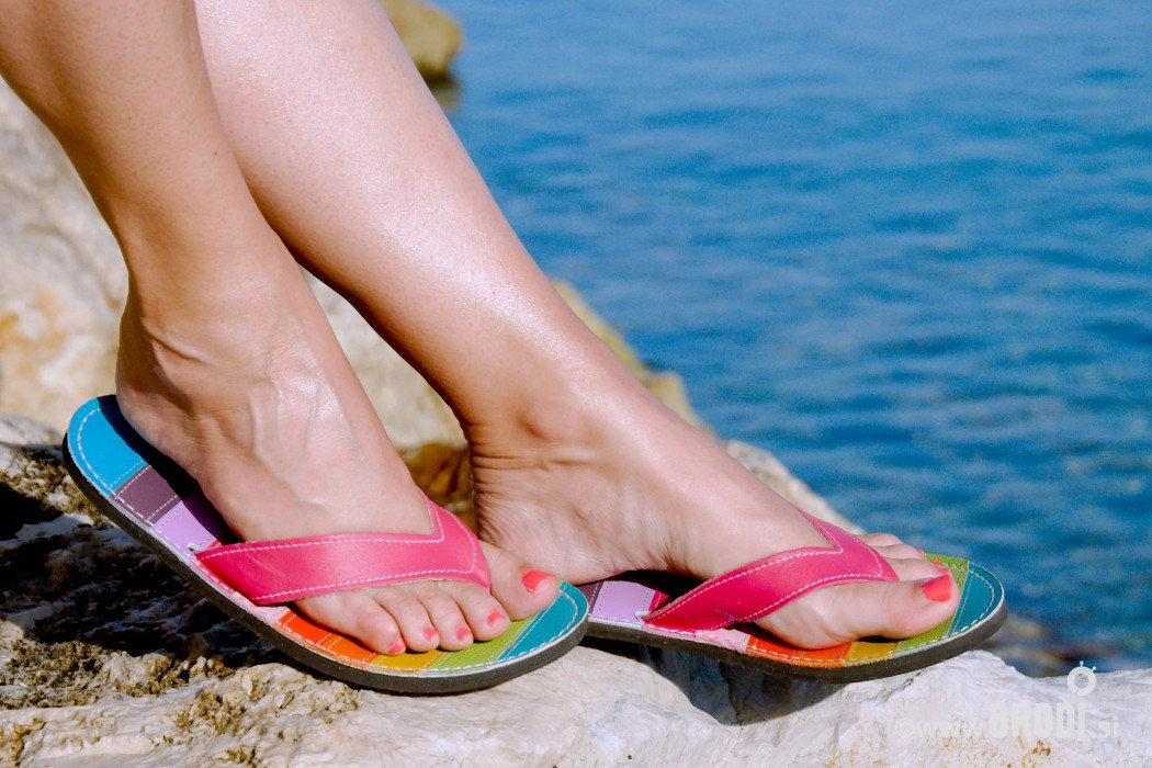 Flip-flops Mimi Colourful with Pink Straps